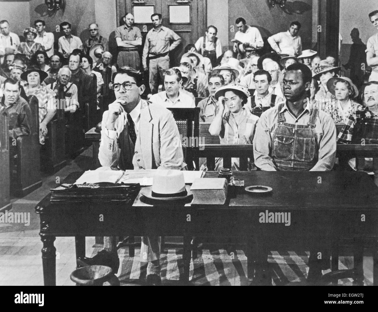 KILL A MOCKINGBIRD 1962 Universal Pictures Film mit Gregory Peck auf der linken Seite als Atticus Finch und Brock Stockbild