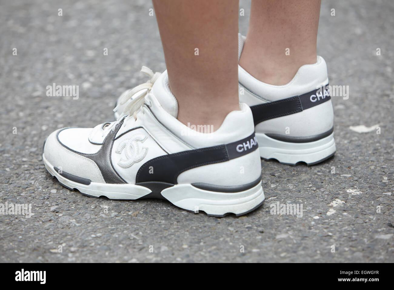 timeless design c3a07 d521f Chanel Schuhe Stockfotos & Chanel Schuhe Bilder - Alamy