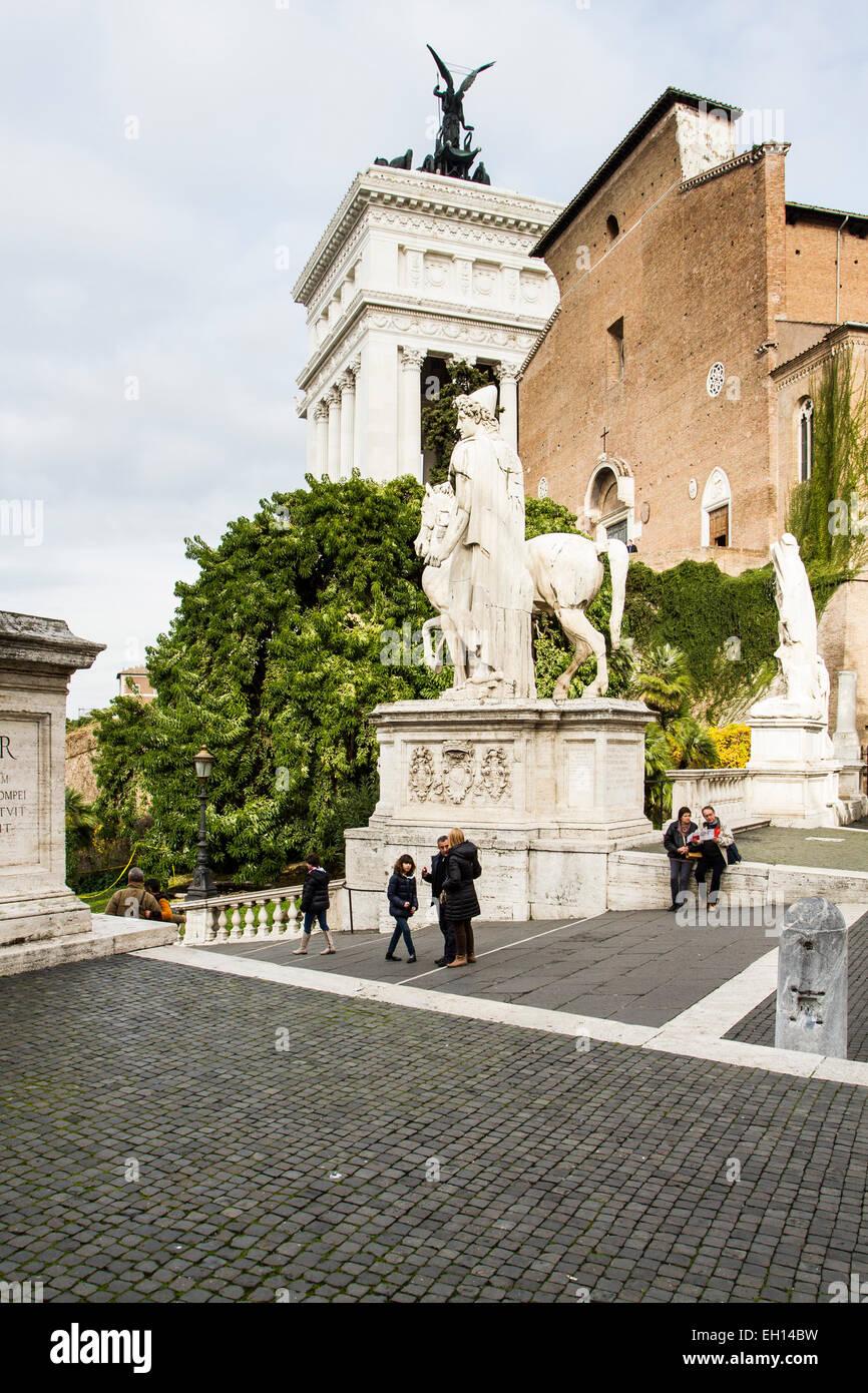 La Cordonata, bestehend aus eine abfallende Straße transversale Streifen zum Kapitolinischen Platz (Piazza Stockbild