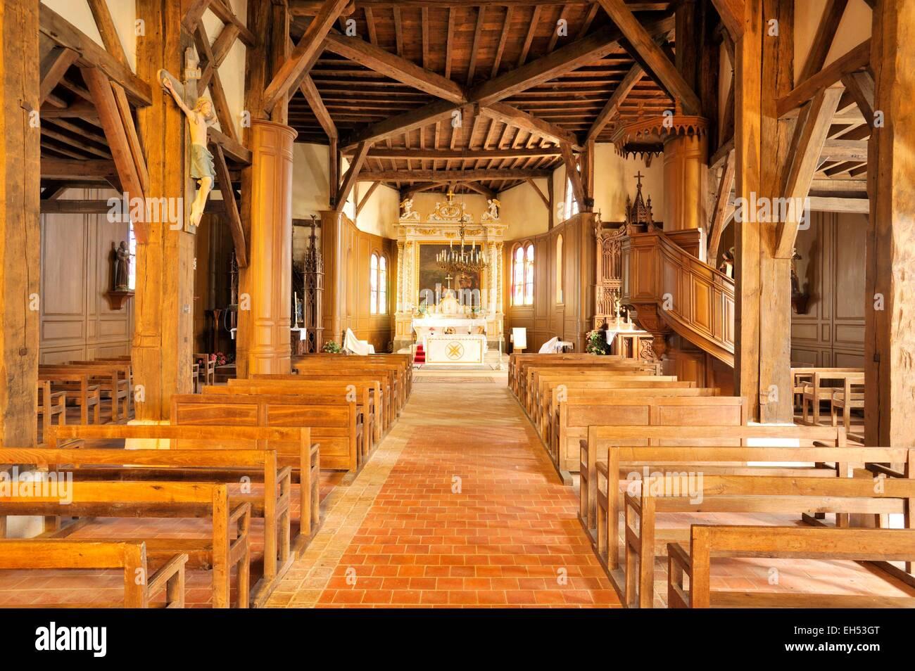 Frankreich, Marne, Routinen, Saint Nicolas Church Holz eingerahmt ...
