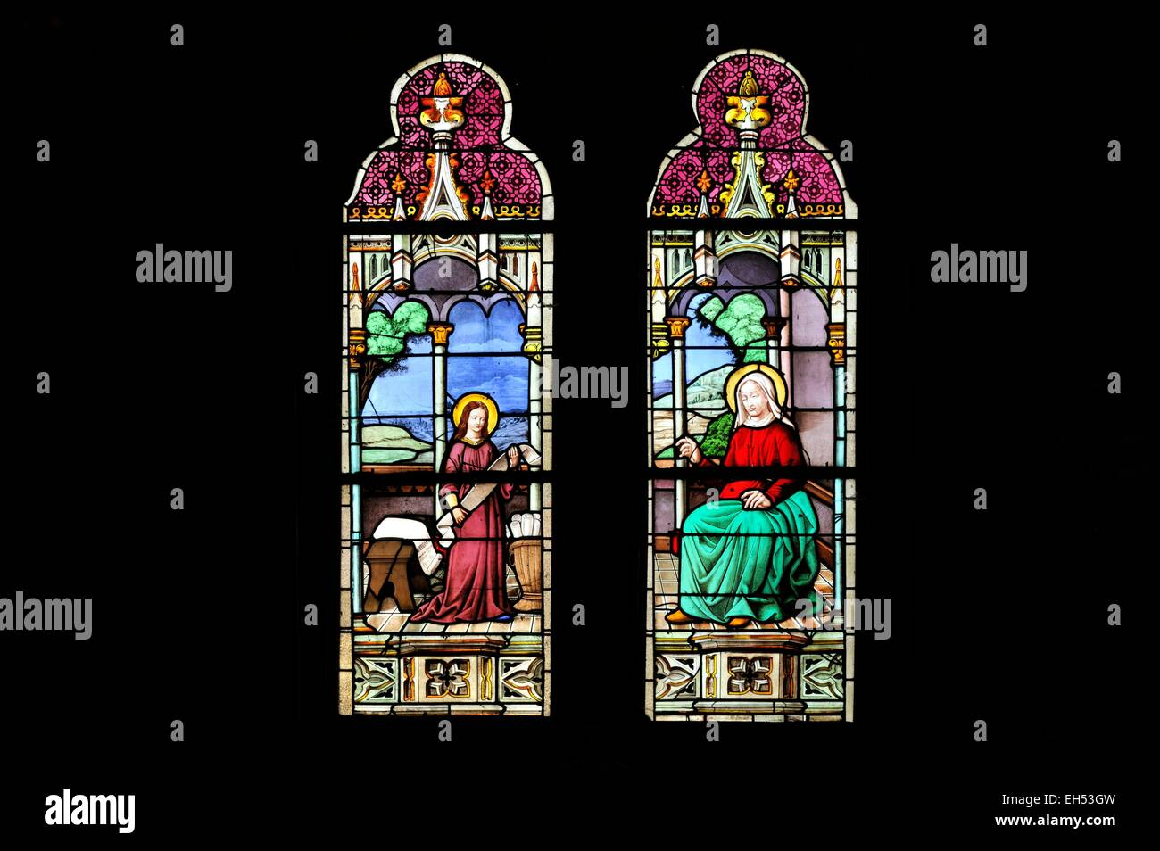 Two Stained Glass Windows Stockfotos & Two Stained Glass Windows ...