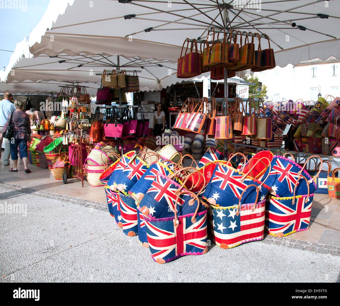 sunday flea market stockfotos sunday flea market bilder alamy. Black Bedroom Furniture Sets. Home Design Ideas