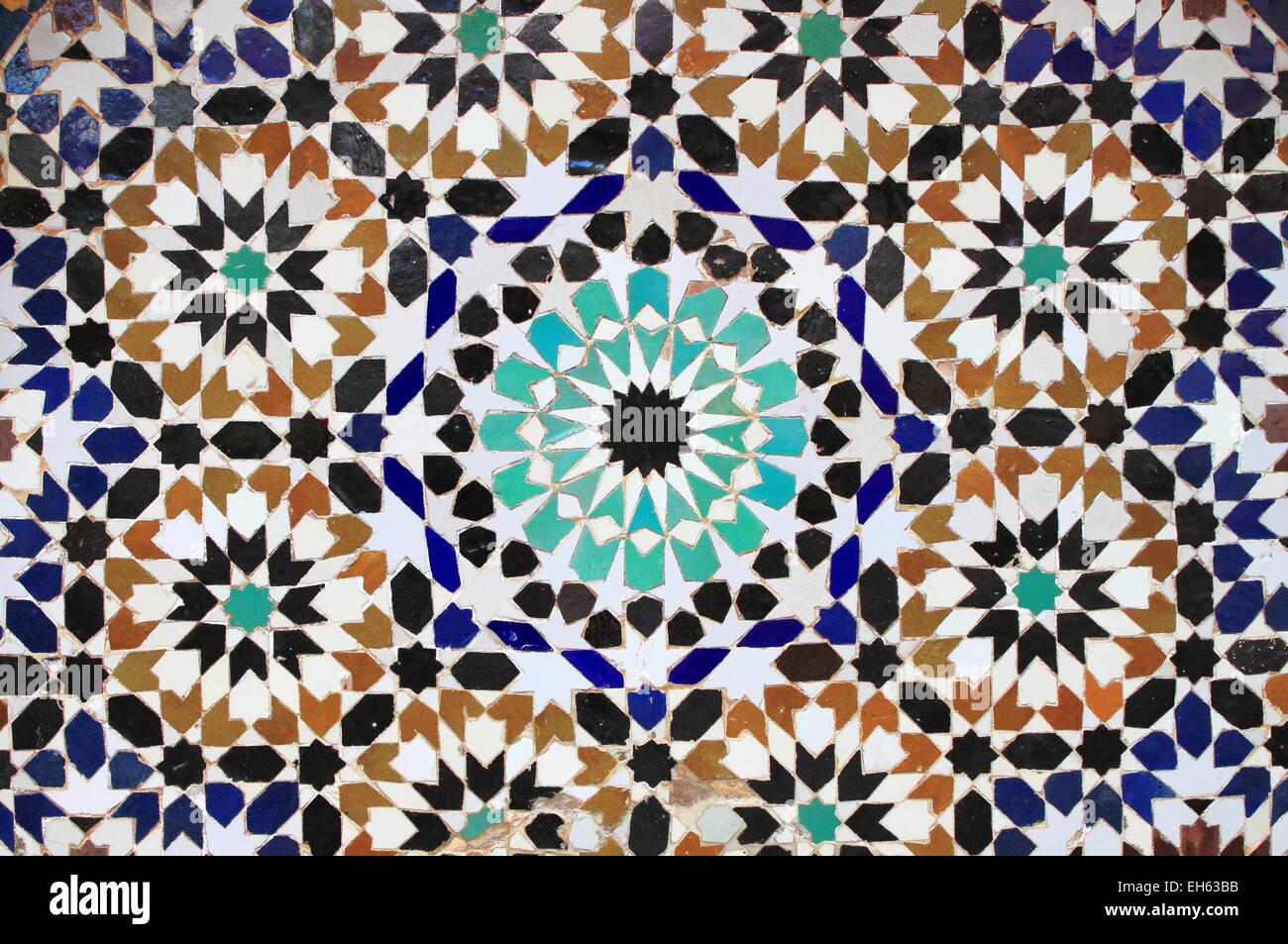 typische mosaik muster von einem marokkanischen brunnen - Mosaik Muster