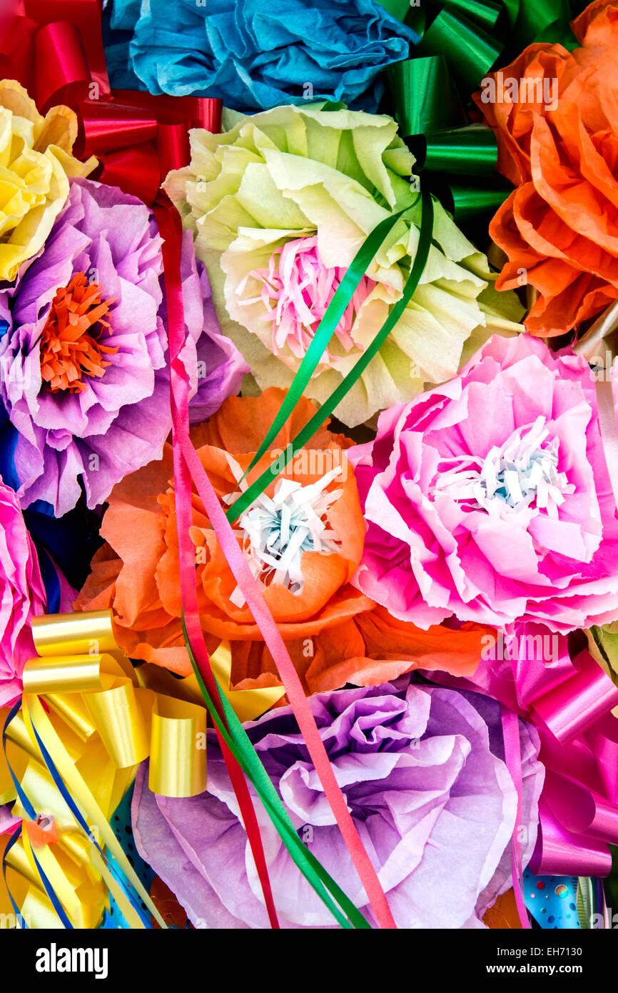 Dekorative Papierblumen, La Villita, San Antonio, Texas USA Stockbild
