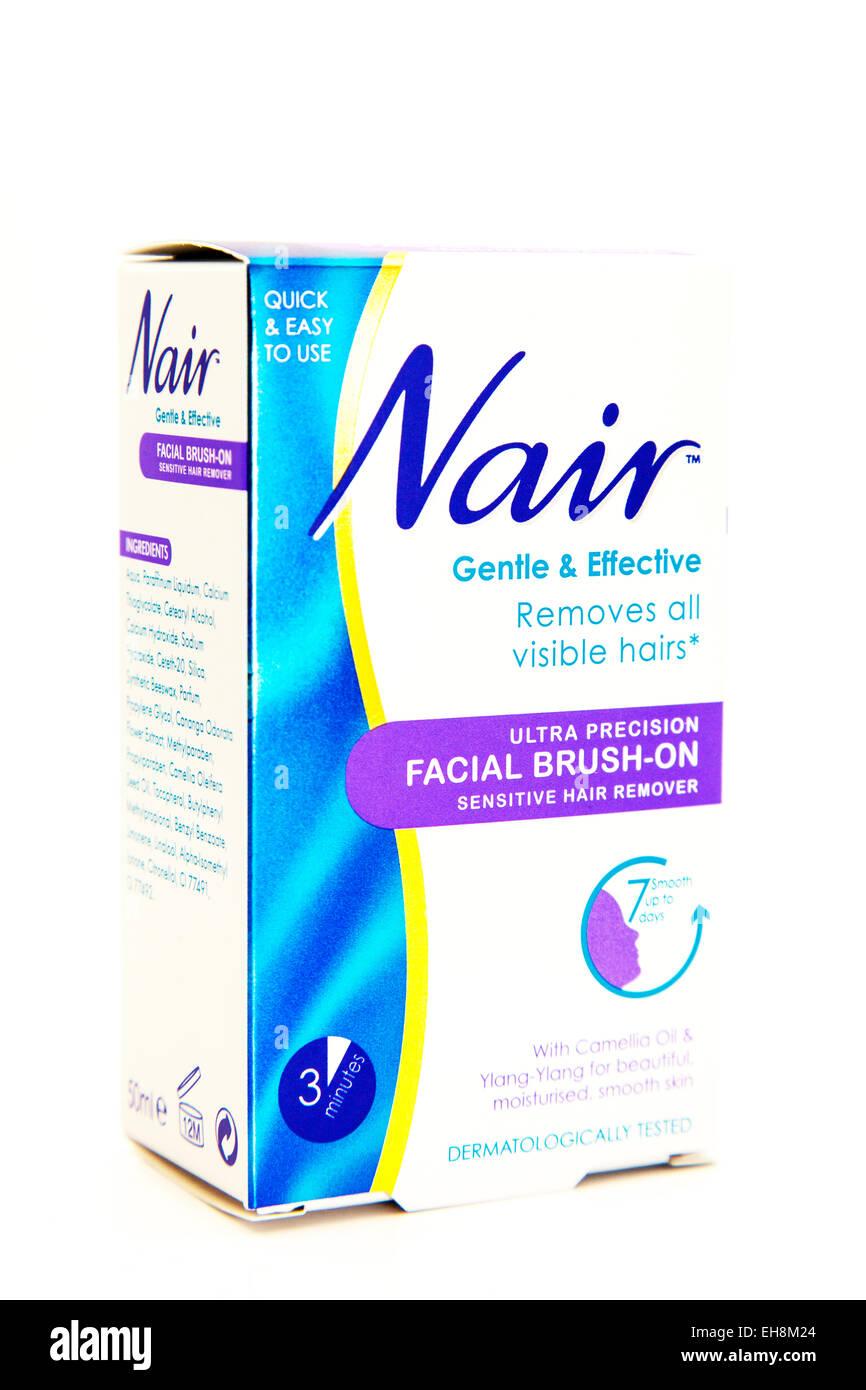 Nair Haare entfernen Haare im Gesicht Creme Entferner Logo Box Produkt Ausschnitt weißen Hintergrund textfreiraum Stockbild