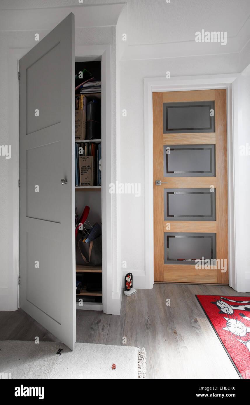 Cupboard Door Open Stockfotos & Cupboard Door Open Bilder - Alamy