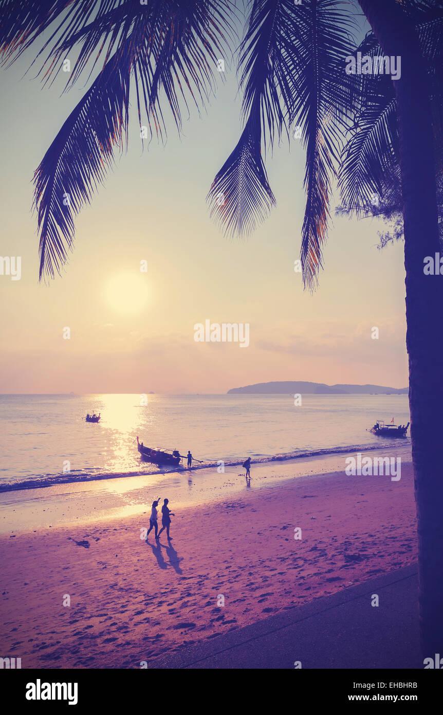 Retro-Instagram Stil gefilterten Bild Strand bei Sonnenuntergang. Stockbild