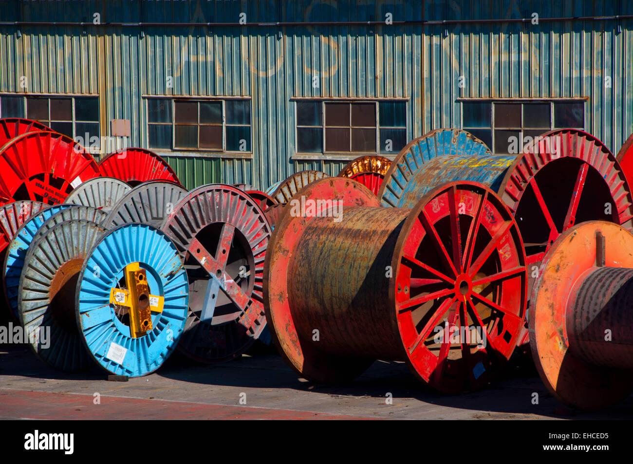 Kabel-Spulen und Zinn Eisen Stockfoto, Bild: 79565393 - Alamy