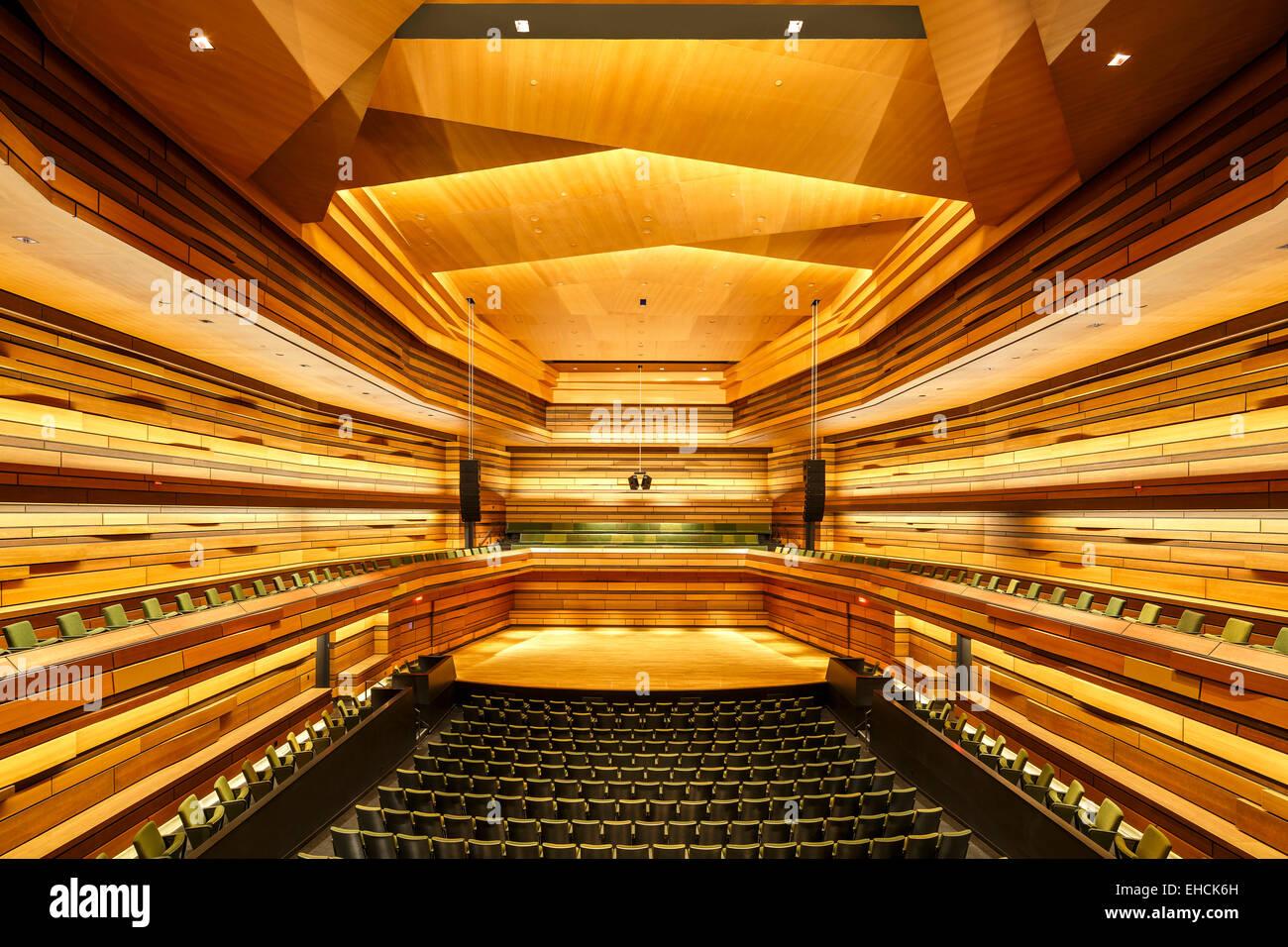 Das Konzert Halle Design beschäftigt eine asymmetrische Layout in ...