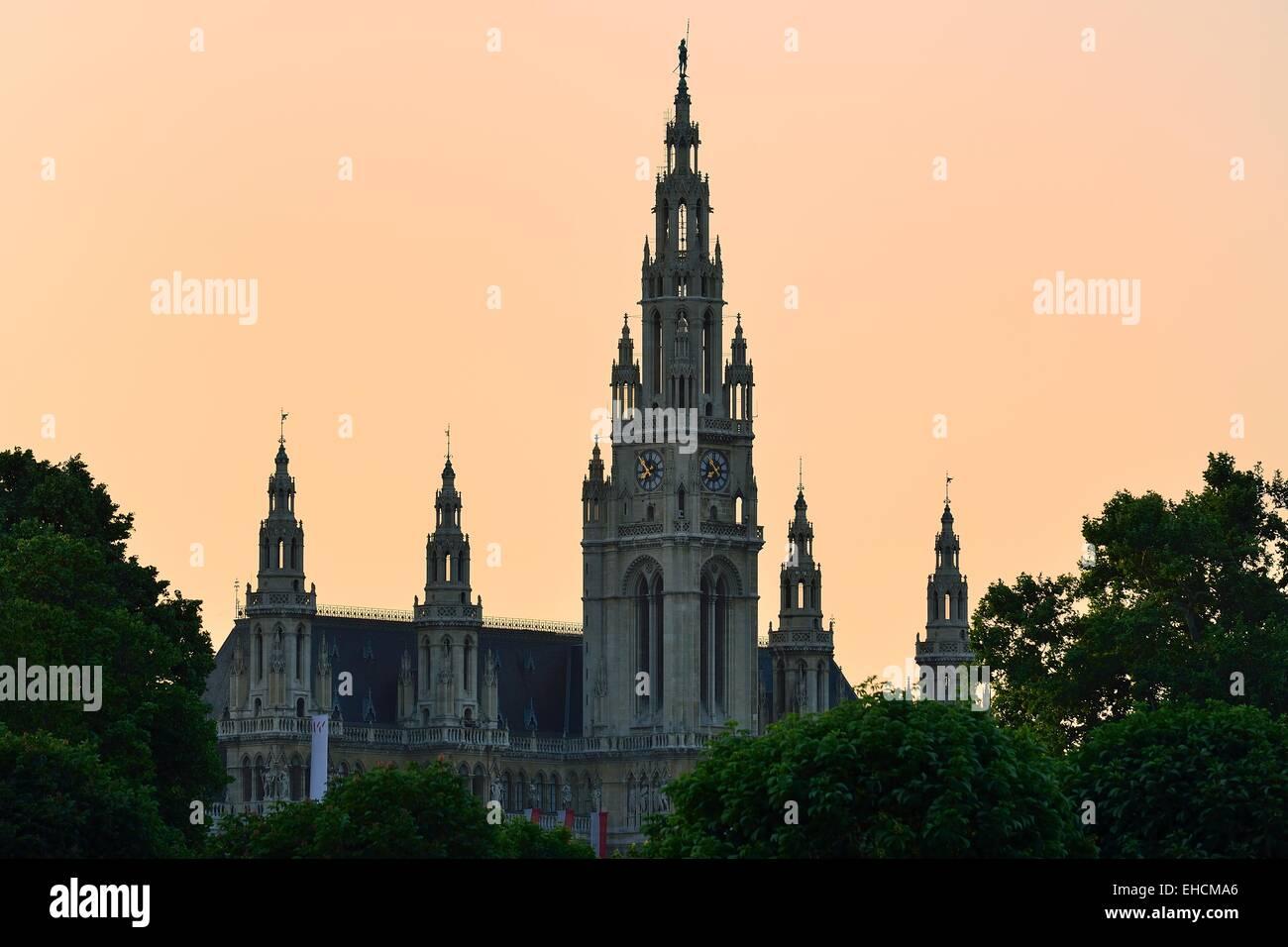 Rathaus im Abendlicht, Bezirk Innere Stadt, Wien, Österreich Stockbild