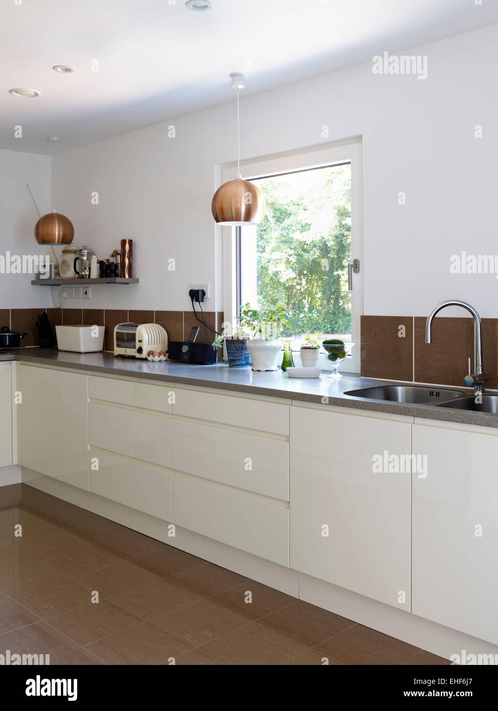 Double Kitchen Sink Stockfotos & Double Kitchen Sink Bilder - Alamy