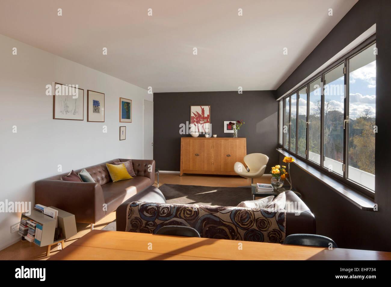 Modernes Wohnzimmer In Wohnung In Einem Höhepunkt, Highgate, London