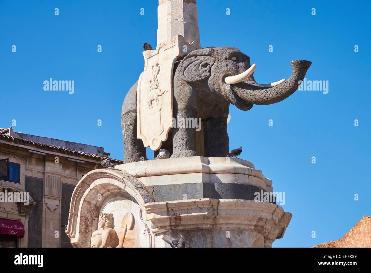 Statue von einem Lava Elefant, Piazza del Duomo, Catania, Sizilien, Italien. Stockbild