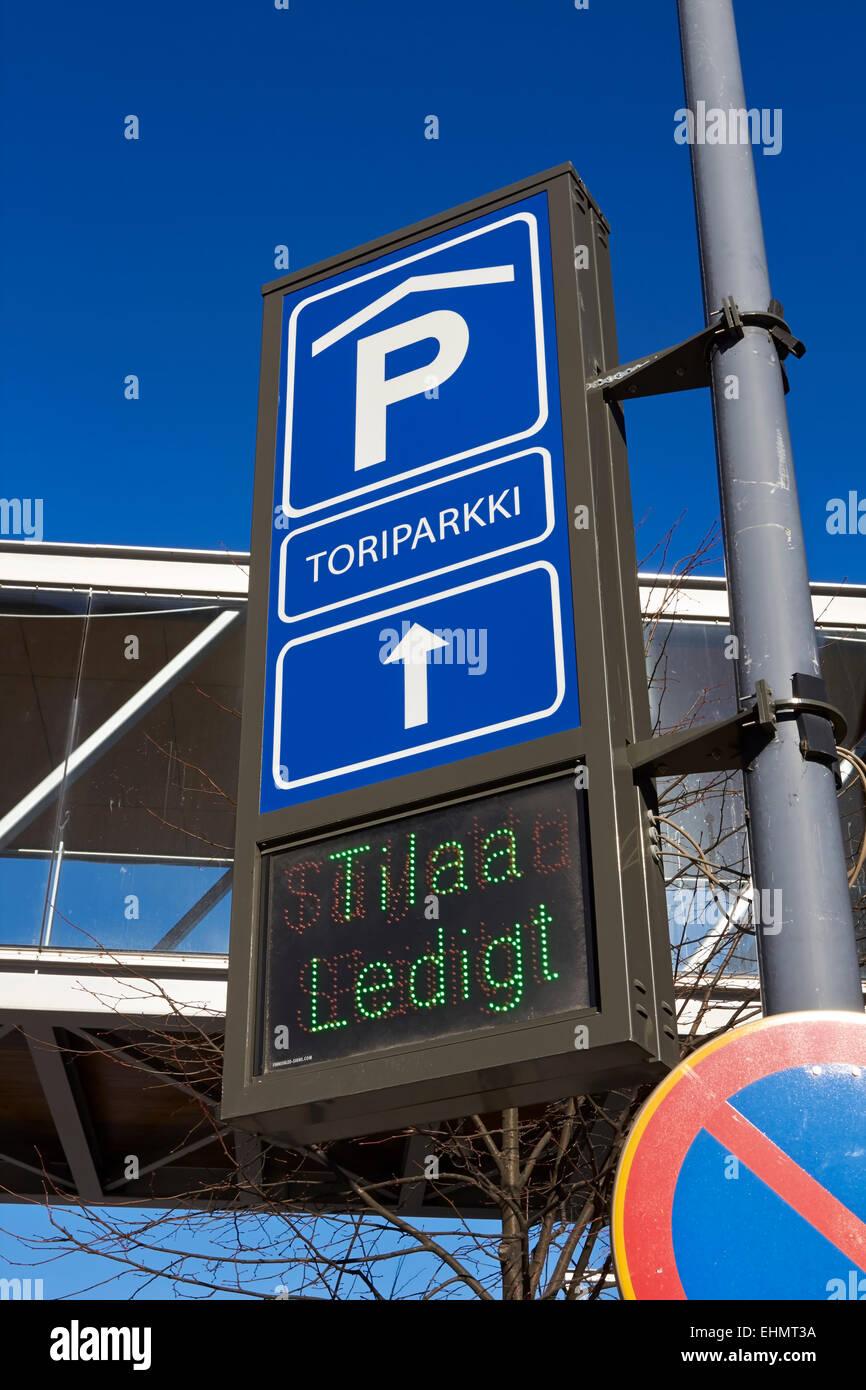 Parkplatz Haus Verkehrszeichen, Mikkeli, Finnland Stockbild