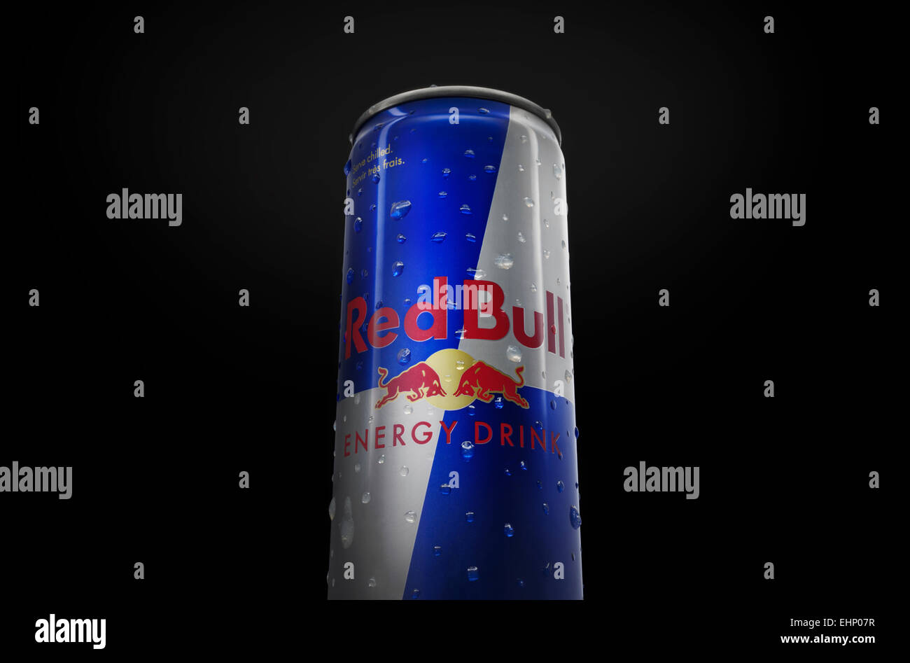 Red Bull Kuehlschrank Dose : Flasche dose red bull energy drink stockfotos flasche dose red