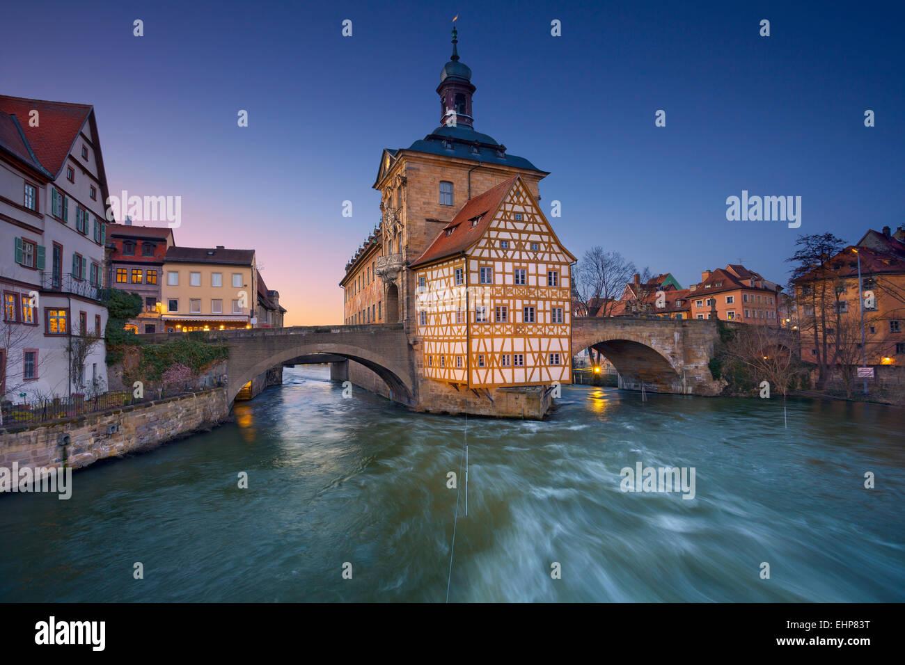 Bamberg. Stadt Bamberg während des Sonnenuntergangs. UNESCO-Welterbe und berühmt für sein mittelalterliches Stockbild