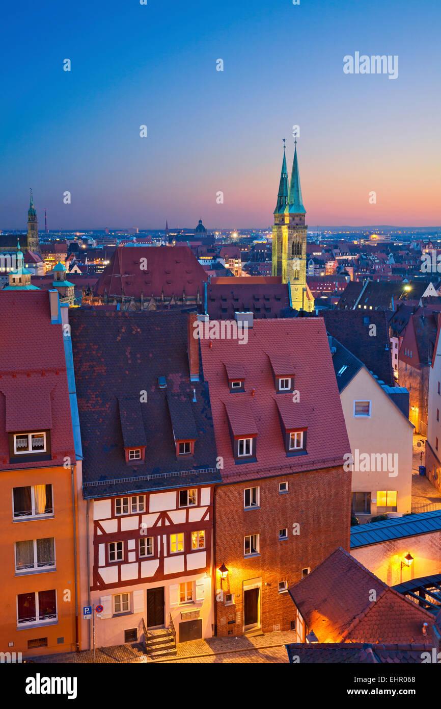 Nürnberg. Bild der historischen Innenstadt von Nürnberg bei Sonnenuntergang. Stockbild