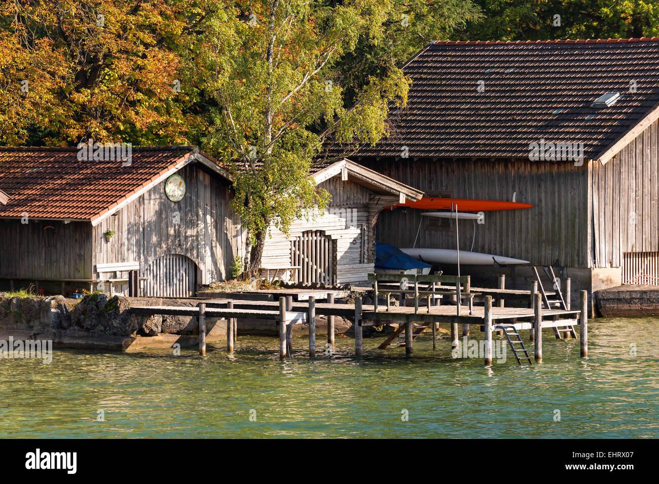 Blick zum Ufer des Starnberger See Ferienhaus mit Bootssteg am See ...