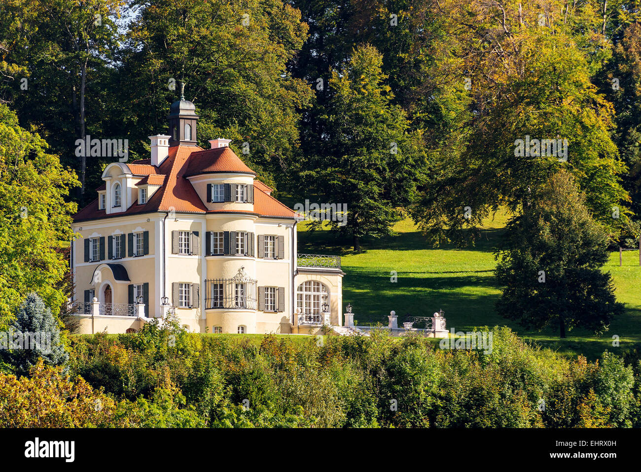 altes haus mit b umen am starnberger see in bayern deutschland stockfoto bild 79815921 alamy. Black Bedroom Furniture Sets. Home Design Ideas
