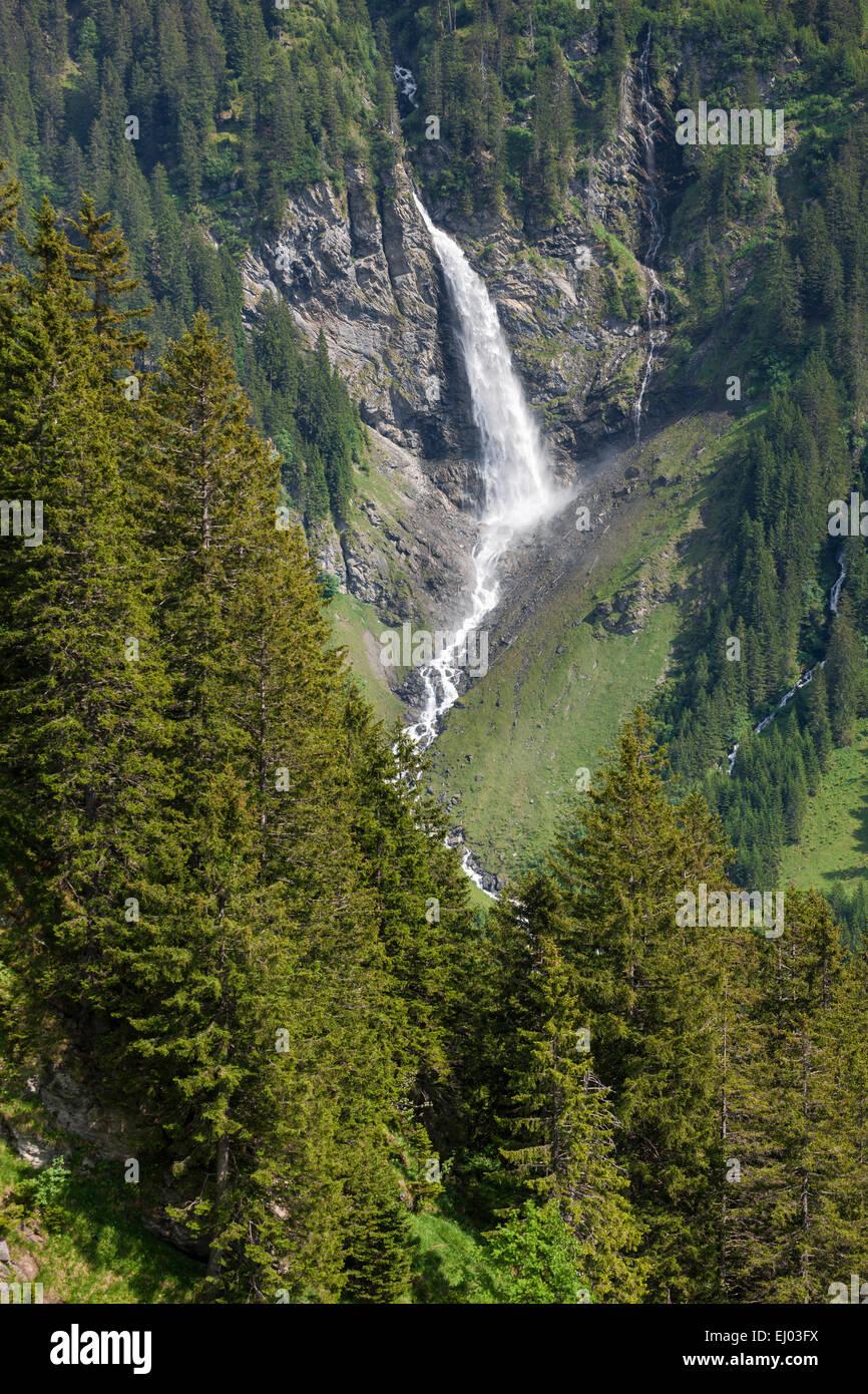 Zu Staub Wasserfall, der Schweiz, Europa, Kanton Uri, Tal der Schachen Stockbild