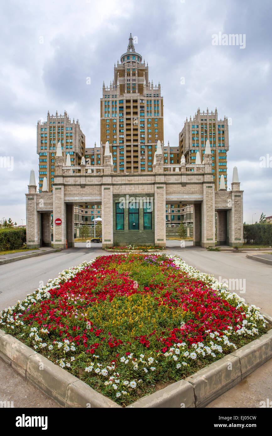 Berühmte Architektur astana stadt gebäude kasachstan zentralasien sommer triumph