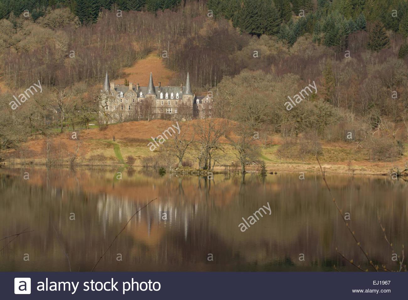 LOCH ACHRAY, LOCH LOMOND & THE TROSSACHS NATIONAL PARK, STIRLINGSHIRE, Schottland, UK 2015: Tigh Mor Trossachs Stockbild