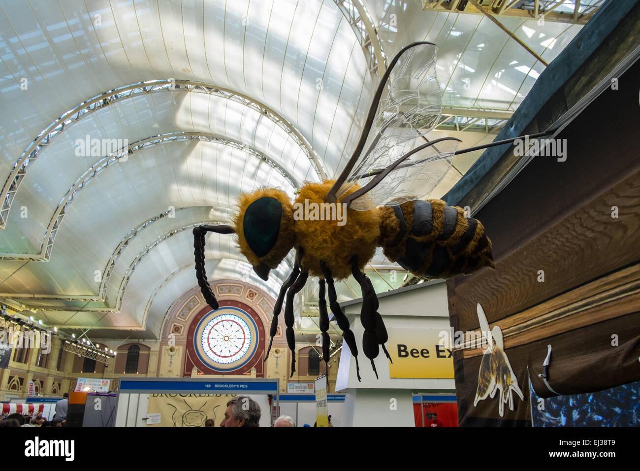 London Bee Stockfotos & London Bee Bilder - Seite 2 - Alamy