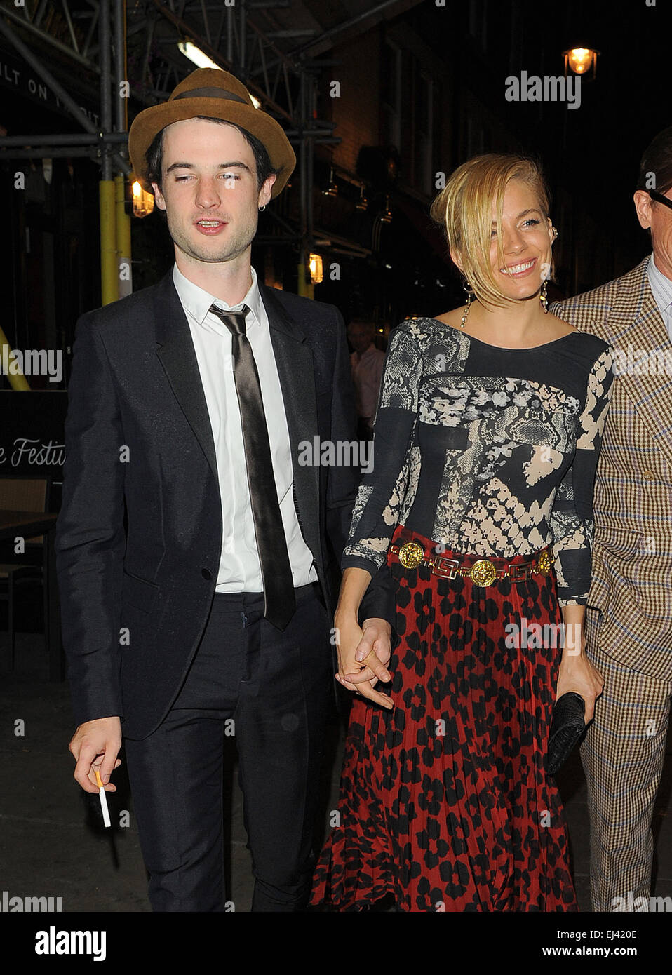 Tom sturridge Dating-GeschichteDating eines jüngeren Kerls in Ihren 30ern
