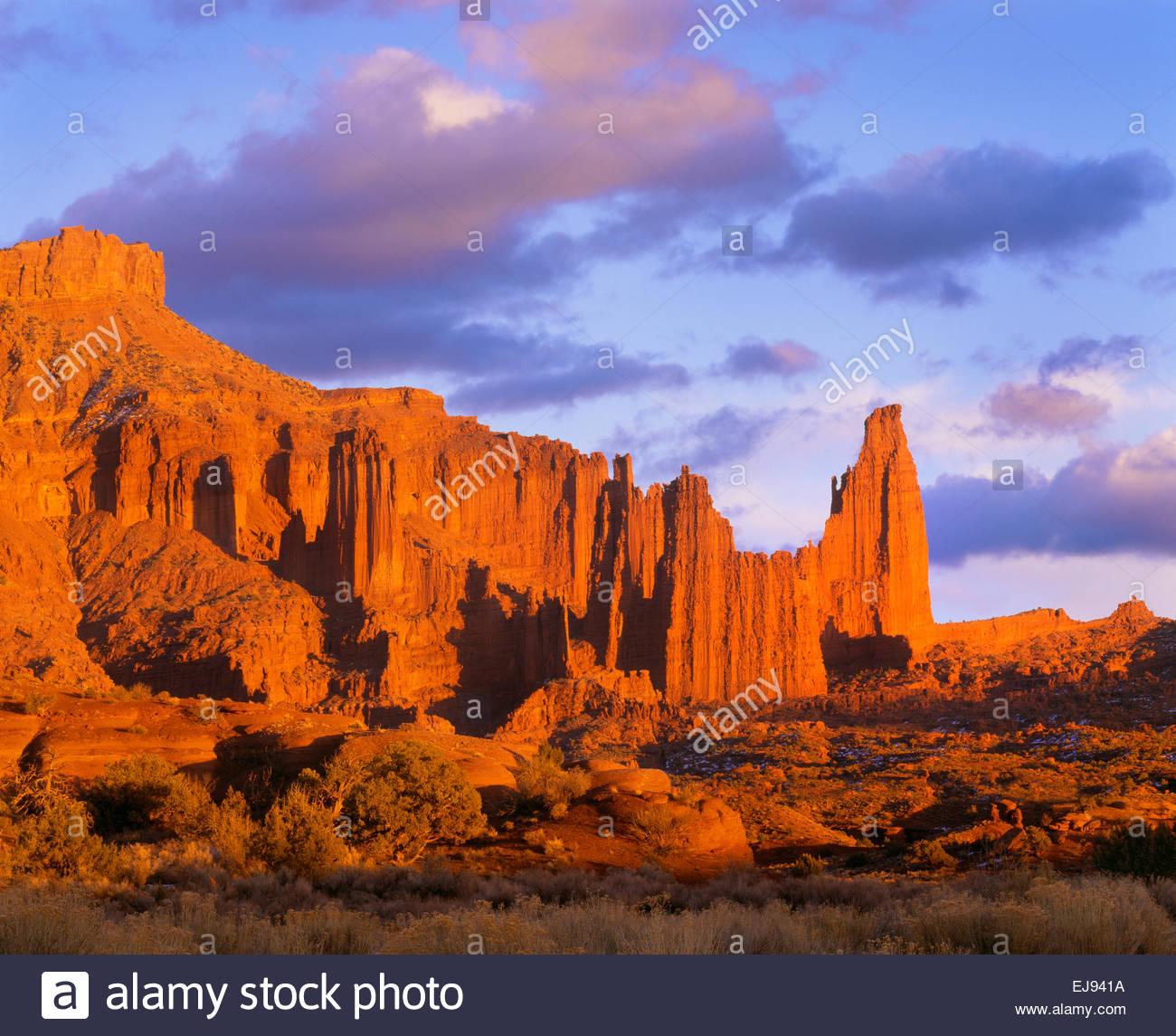 Fisher Towers bei Sonnenuntergang.  BLM.  Südost-Utah. Stockbild