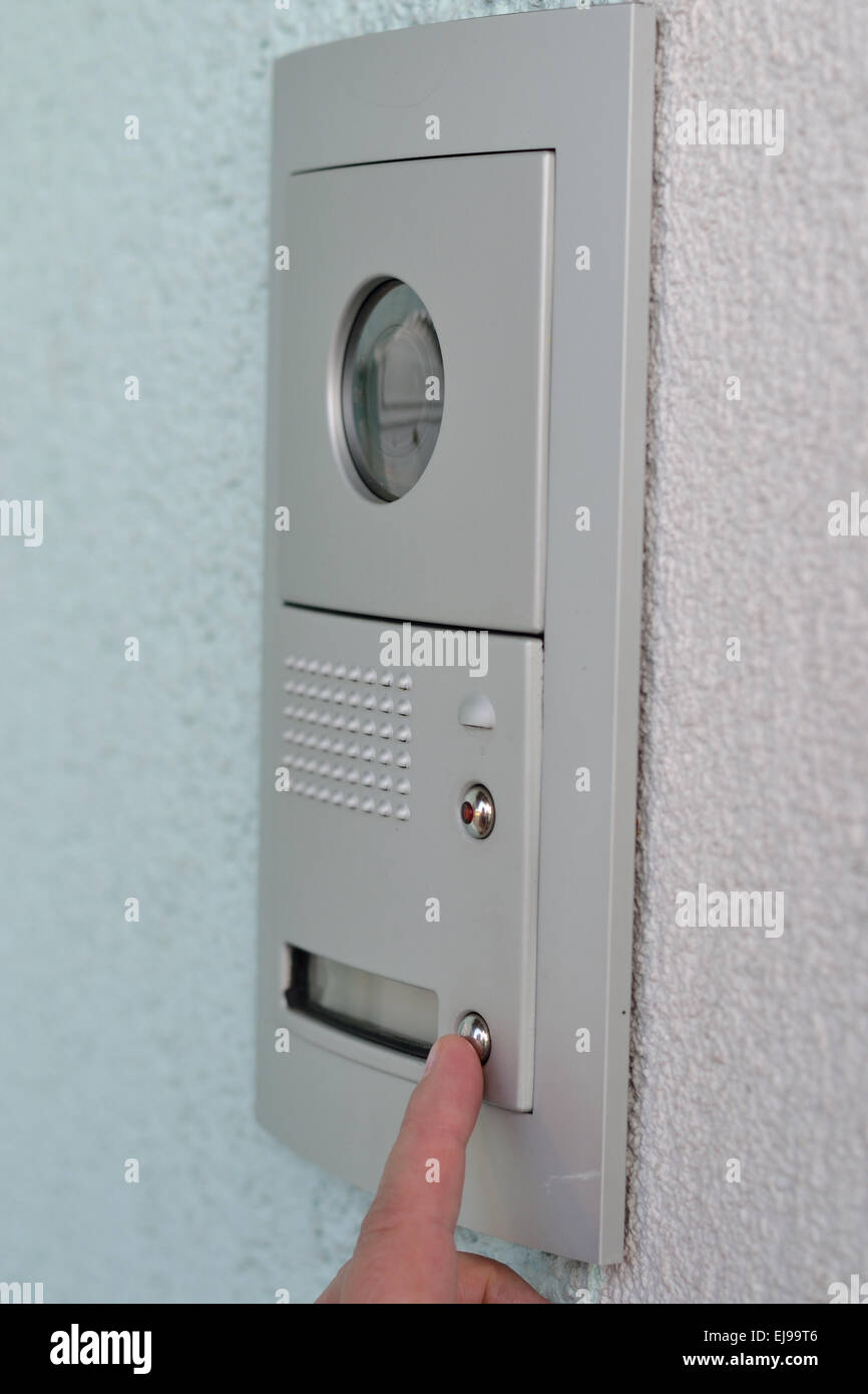 tür-gegensprechanlage mit kamera stockfoto, bild: 80110582 - alamy