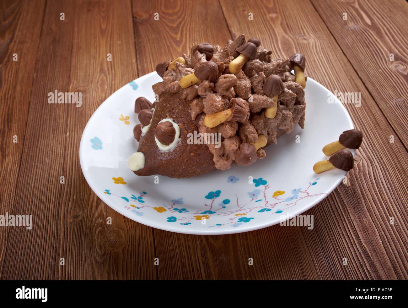 Kinder Schokoladen Kuchen Igel Stockfoto Bild 80134362 Alamy
