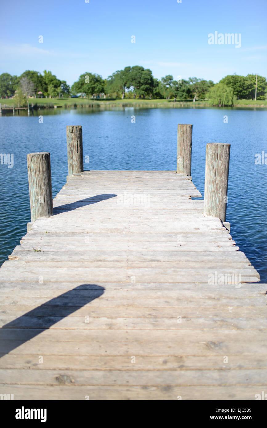 Alte Holz Deck Mit See Im Hintergrund