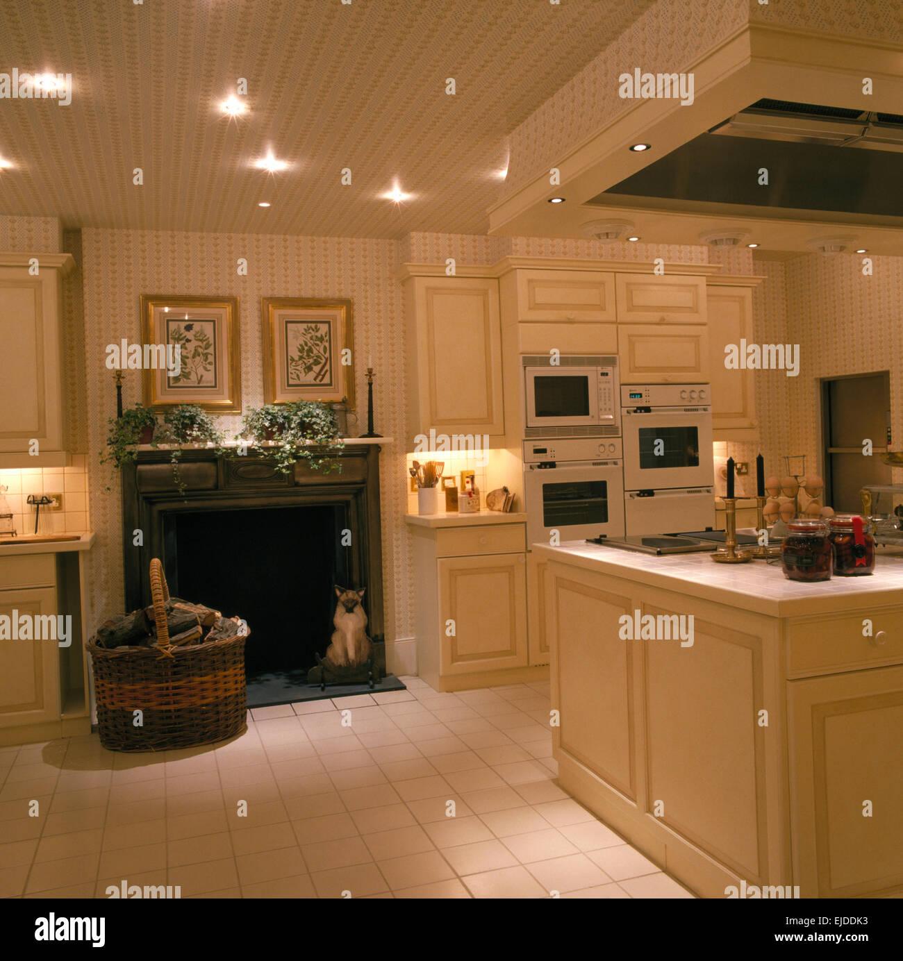 Kitchen Fireplace Stockfotos & Kitchen Fireplace Bilder - Alamy