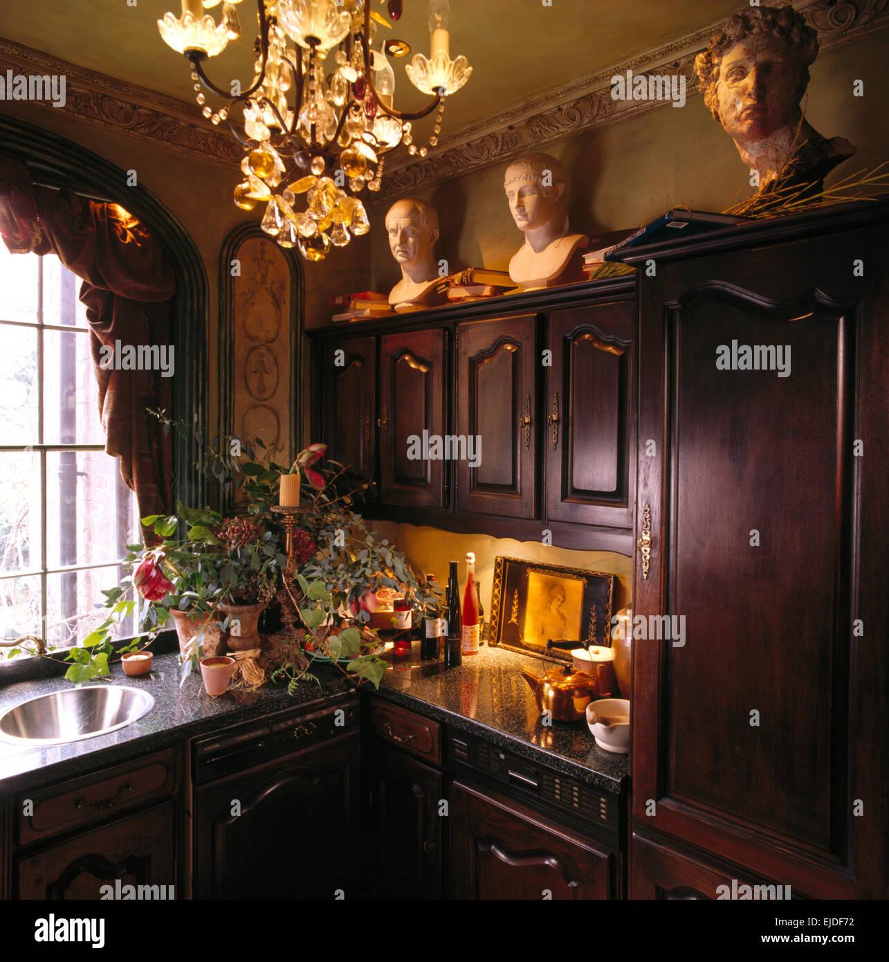kronleuchter in der kuche collectionjobs. Black Bedroom Furniture Sets. Home Design Ideas