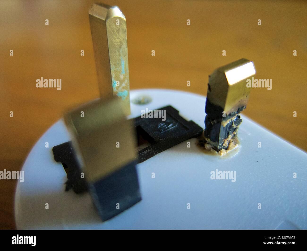 Berühmt Warum Ist Mein Neutralleiter Live Bilder - Elektrische ...