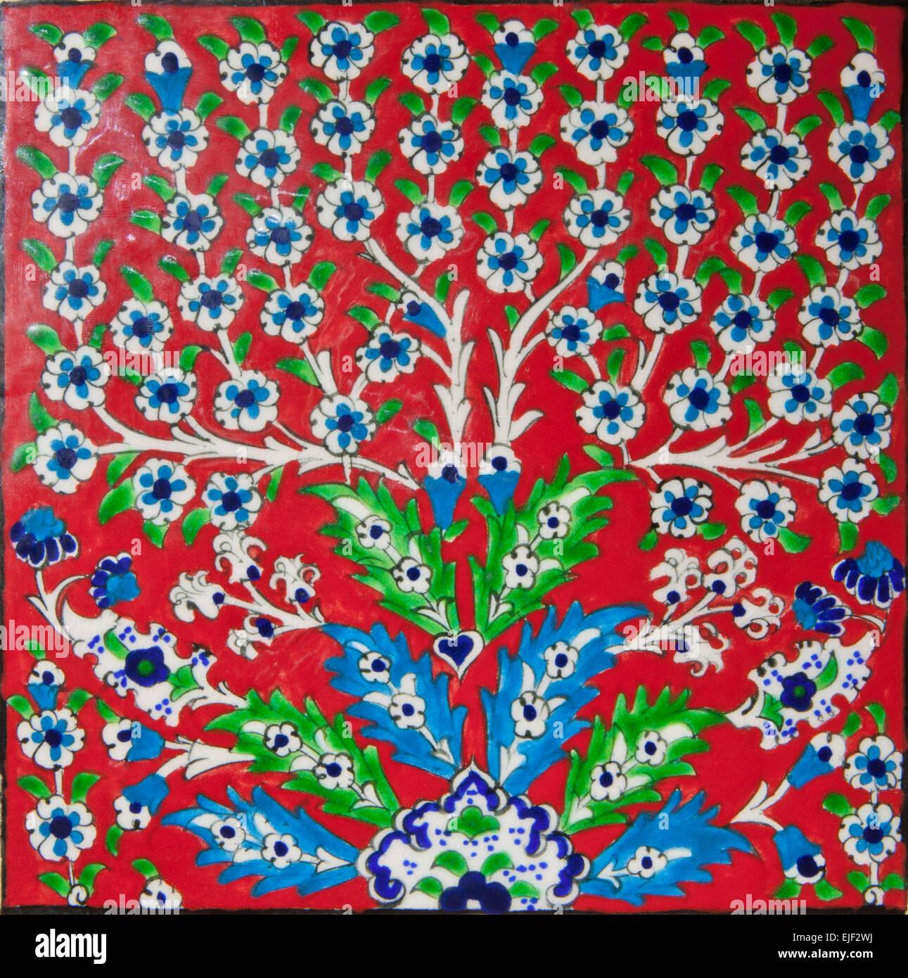Rot Elegante Fliesen Mit Dem Motiv Des Schönen Iznik Stil Blumen - Fliesen auf türkisch