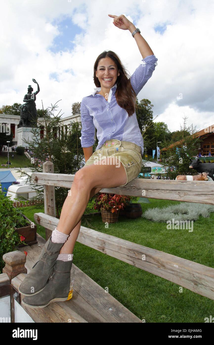 Prominente : Prosten und posen beim Oktoberfest - WELT