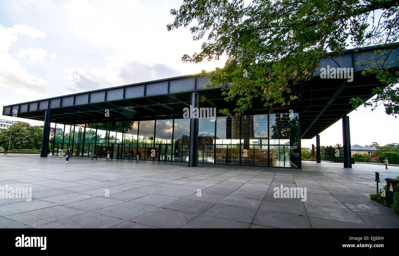 Der Pfostenzweiter Weltkrieg Ii Mies Van Der Rohe Entworfen Museum