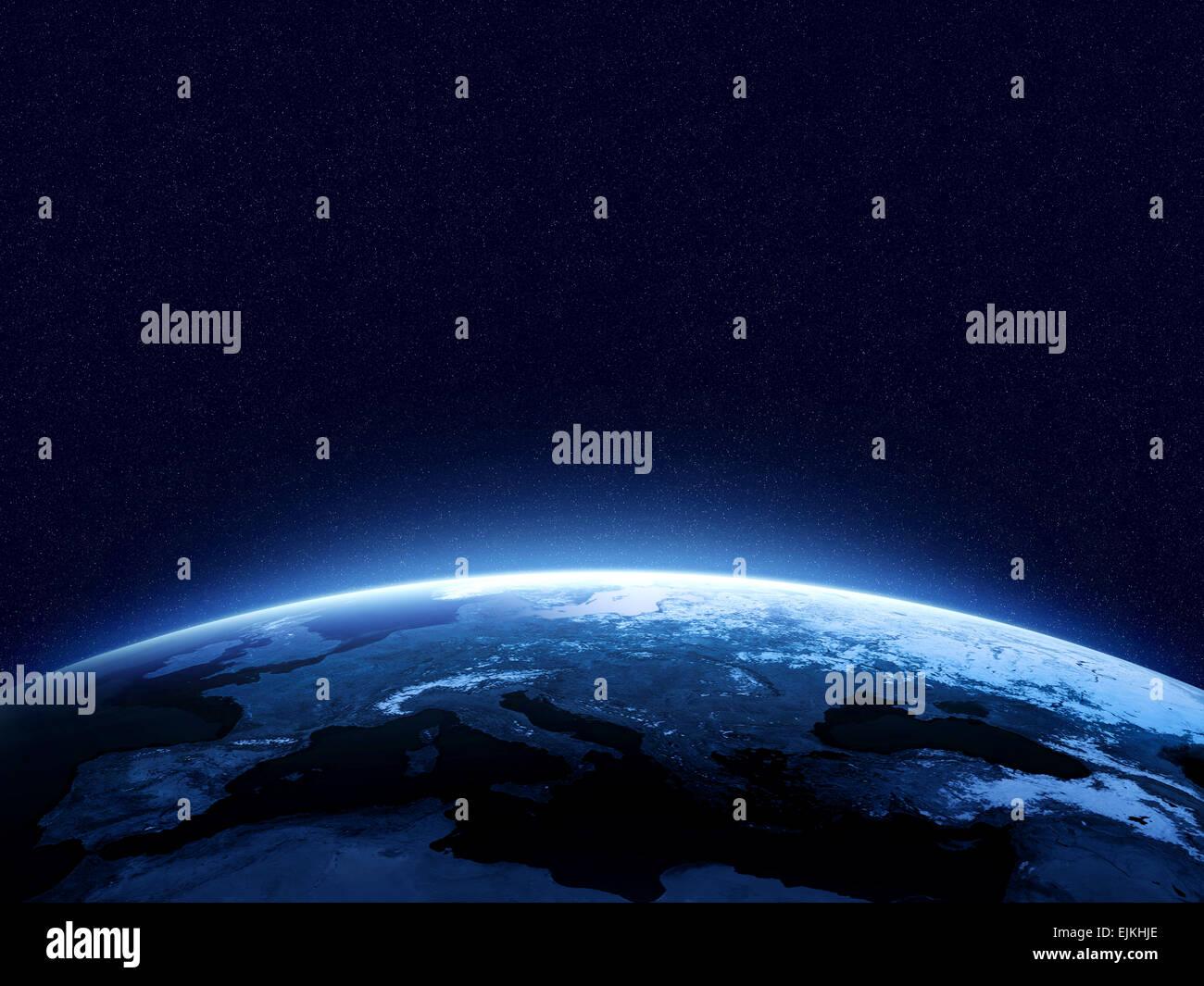 Erde bei Nacht wie aus dem Weltraum mit blau, glühende Atmosphäre und Platz an der Spitze zu sehen. Perfekt Stockbild