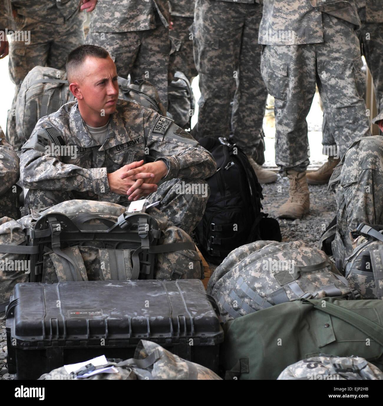 US Army Spc. Daniel L. Jolly von Pferd-Höhle, Kentucky, eine automatisierte Logistik-Spezialist mit dem 2123rd Stockbild