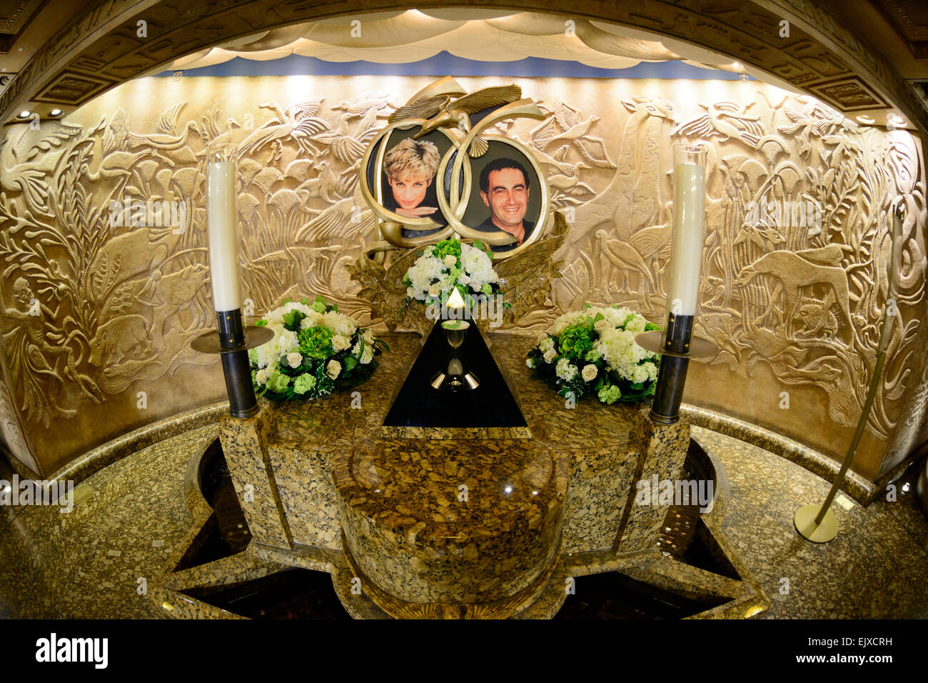 Harrods-Schrein für Prinzessin Diana & Dodi Fayed, das Kaufhaus Harrods, London, Vereinigtes Königreich. Stockbild