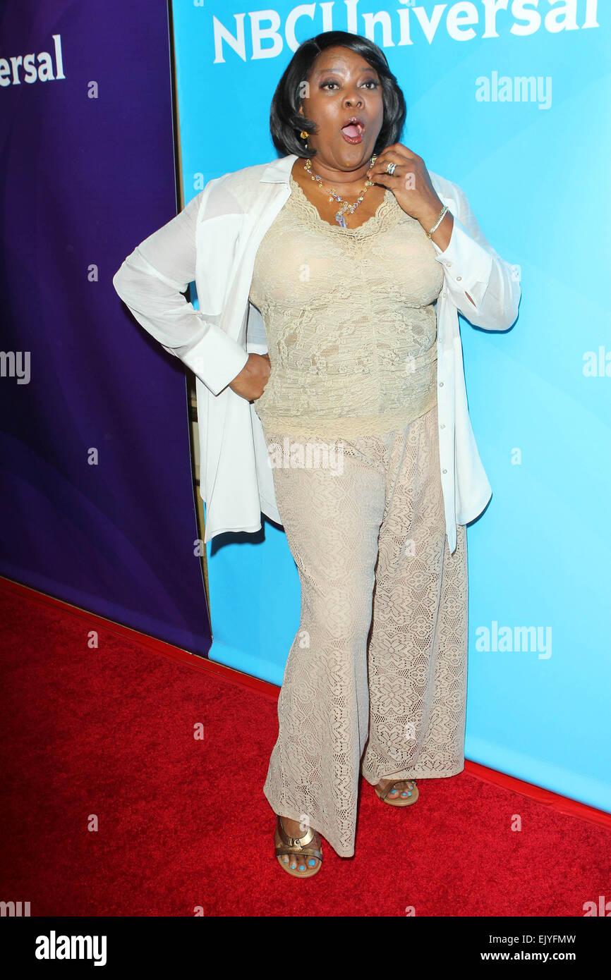 Los Angeles, Kalifornien, USA. 2. April 2015. Loretta Devine besucht NBC Universal Sommer Presse Tag 2015 im The Stockfoto