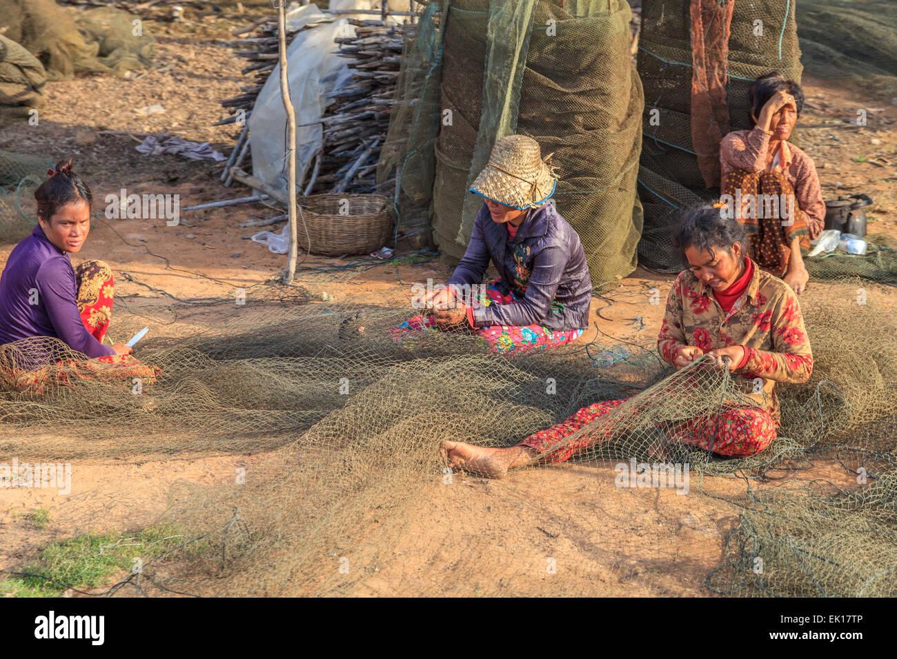 Frauen Fischernetz Kampong Phulk variabel einstellen Stockbild