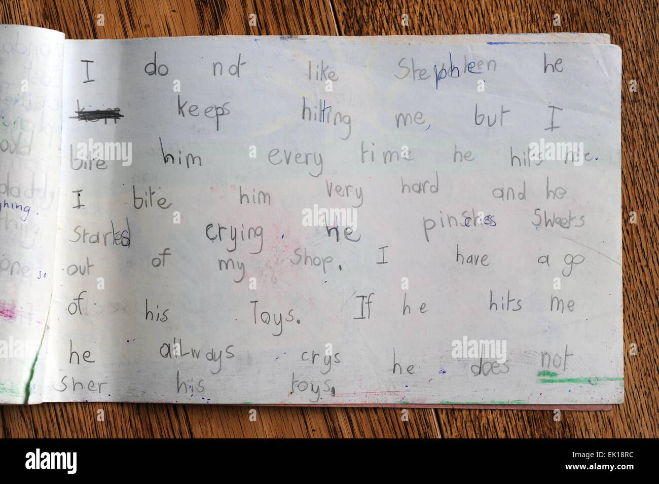 Diairies der Kinder im Grundschulalter im Vereinigten Königreich Stockbild