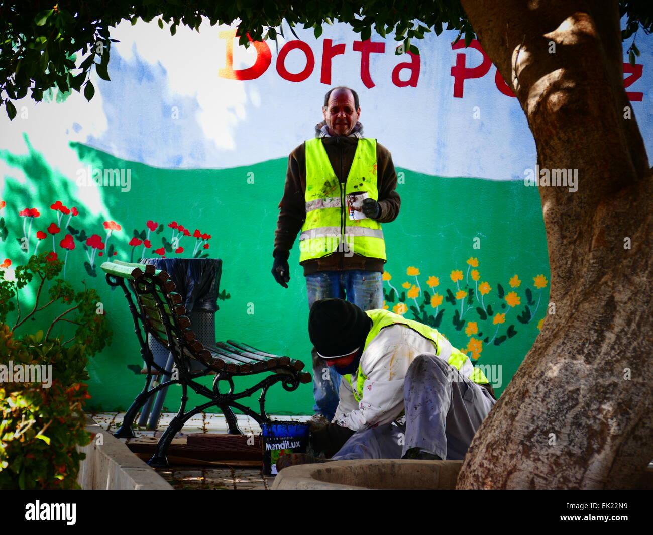 Arbeiter Malerei Park Santiago del Teide Teneriffa Insel Kanaren Spanien Stockbild