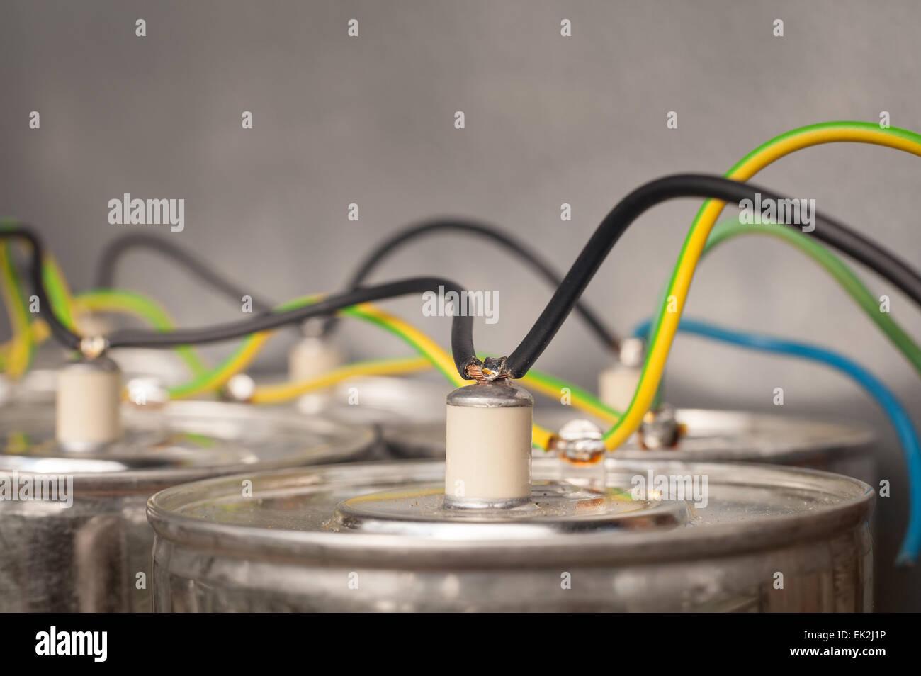 Ziemlich Drahtspulen Führen Ideen - Schaltplan Serie Circuit ...
