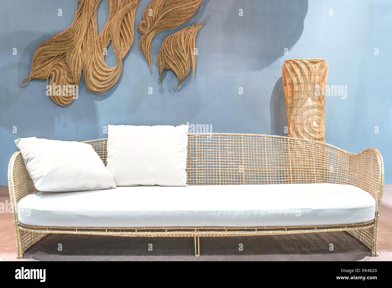 Awesome Rattan Sofa Entspannen Im Wohnzimmer Stockbild With Rattan Couch  Wohnzimmer