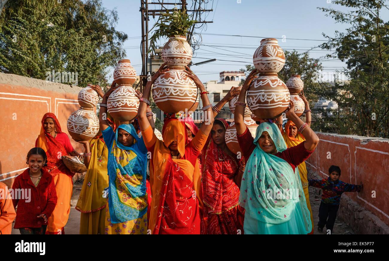 Kleidung frauen indien tourist