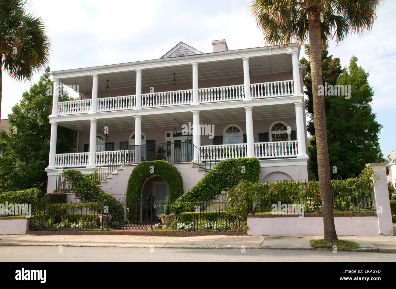 Antebellum Villa in Charleston, South Carolina, USA Stockfoto, Bild ...