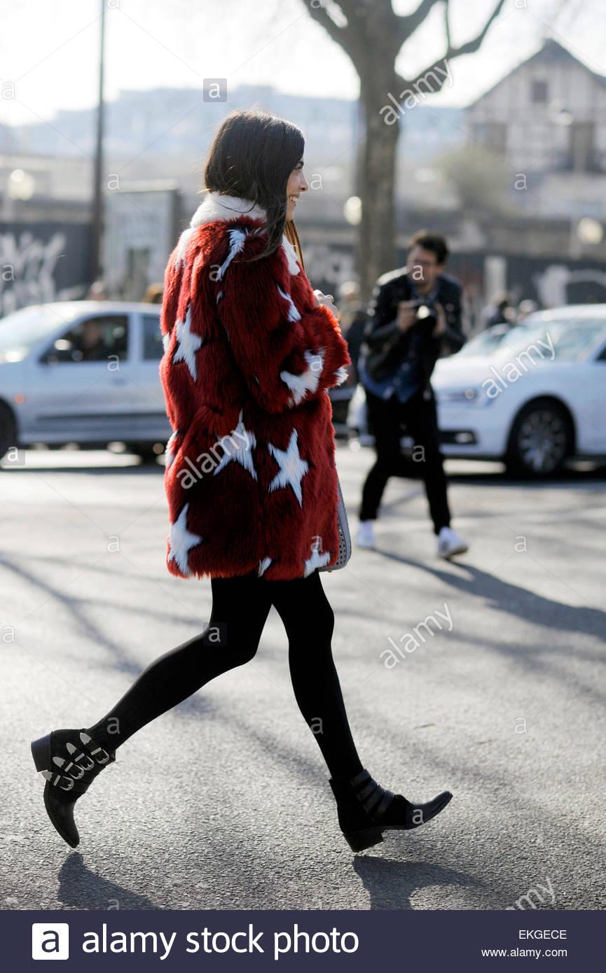 Georgia Tal, nach Kenzo am Porte De La Vilette, Paris RTW Herbst / Winter PFW FW15, Street Style Fashion. Stockbild